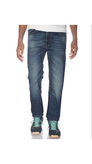 Buy Levis Jeans at 70% cashback
