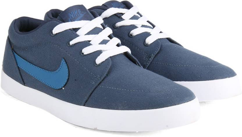 Get Minimum 30% OFF on Nike  Casual shoes and Sneakers for Men.