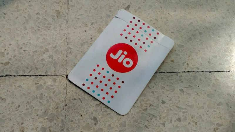 Reliance Jio Extending its Free Services For Next 12-18 Months; Planning for 50% Market Share in India