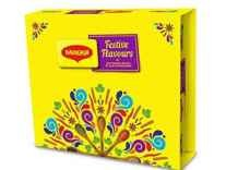Live6PM Maggi Festive Flavors Gift Pack 857g Greeting Card Rs 120 Offer On Amazon India